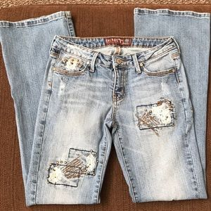 Hint mid- rise jeans. Size 5. style HNR18
